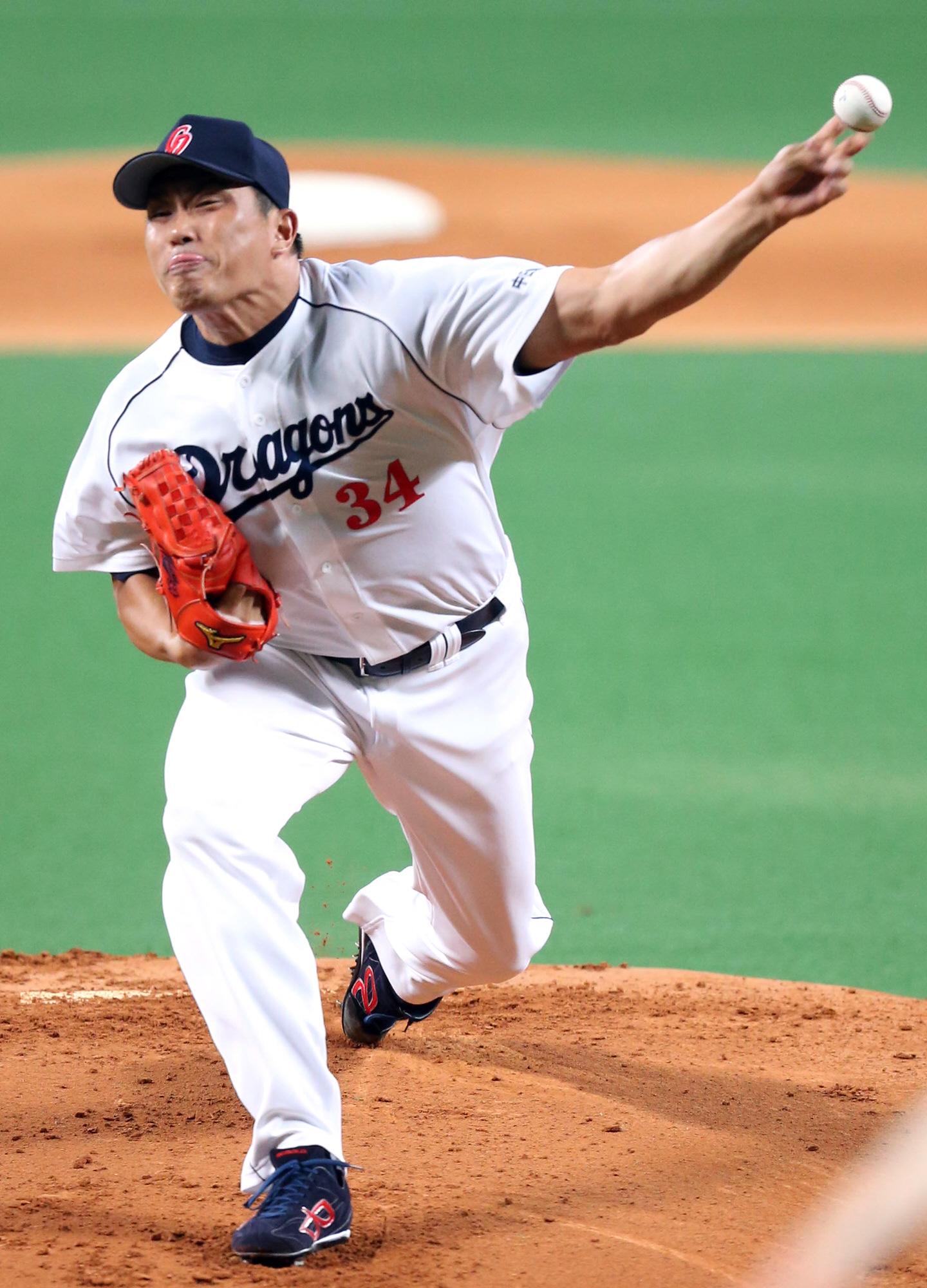 山本昌に最年長記録を更新された浜崎真二の波瀾万丈な野球人生